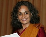 Arundhati Roy sul femminicidio in India